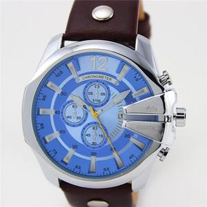 CURREN 8176 кожа ремешок для часов мода на открытом воздухе движение мужские часы досуг личность часы ложные три глаза большой циферблат кварцевые часы