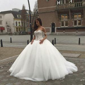 2021 Nouveau Saoudien Arabe A-Line Taille Basque Robes De Mariée Sweetheart Cristaux perles Perlestaux Robes de mariée élégantes sans dos avec sangles Spaghetti