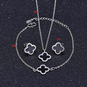 تشياو Lanxuan جديد الكورية سترة قلادة البرسيم قلادة فضية قفل العظام سلسلة السيدات قلادة المجوهرات كشك بالجملة
