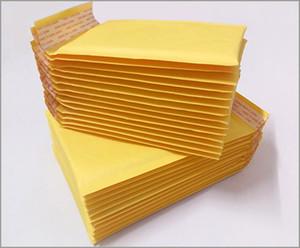 Golden Kraft Bubble Mailers Enveloppes rembourrées Air Bags 50pcs 4,3 * 5,1 pouces 110 * 130mm