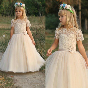 Beautiful Lace Girls Pageant Dress Sash Short Sleeve Applique 2019 Girl Communion Dress Kids Formal Wear Flower Girls Dresses for Wedding