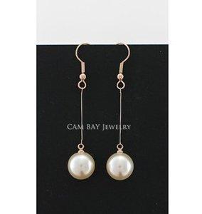Italina Sweet Simulated Pearl Drops Pendientes Gold Tone Hook Line Perlas Drangle Mujeres Delicado Accesorios para el oído