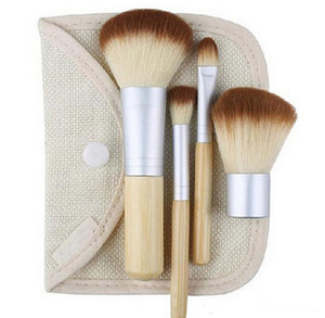 4 UNIDS Bambú Mango Maquillaje Set de Cepillos Cosméticos Powder Blush Maquillaje Pinceles herramientas de peinado cuidado facial