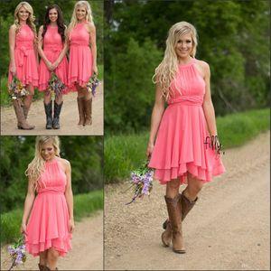 2020 컨트리 스타일 짧은 신부 들러리 드레스 수박 로얄 블루 라이트 블루 (High) 저 (Low) 저렴한 홀터 넥 셔링 등이없는 여름 보헤미안 드레스