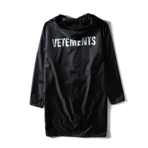 الجملة-2017 vetements رسالة مطبوعة النساء الرجال للماء سترة معطف المتضخم مفيدة المعطف الهيب هوب الرجال سترات واقية