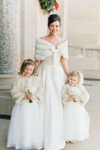 2020 En stock hiver chaud chaud vente blanc ivoire en fausse fourrure Wrap Châle mariage de demoiselle d'honneur mariée Wraps femmes Châle avec ruban Custom Made