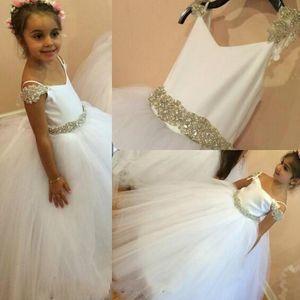 2016 Barato Flor Meninas Vestidos Para O Casamento Do Marfim Branco Cap Mangas vestido de Baile Com Cinto de Cristal de Tule Crianças Crianças Festa Comunhão Vestidos