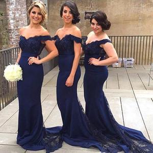 Vestidos de dama de honor largos de satén vintage Marino oscuro burdeos fuera de los hombros Granos de encaje vaina Vestidos de dama de honor con corte tren BA1874
