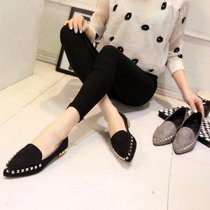 2016 Новая весна и большой наконечник кода обувь замша Обувь Обувь с низким заклепки мелкая рот