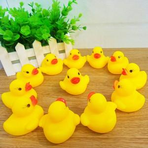 Симпатичные маленькие желтые утки 4сма Pinch Вызывается Rubber Duck Baby Shower игрушка подарок на день рождения Детей Ванны Игрушка Squeeze звучащих игрушек