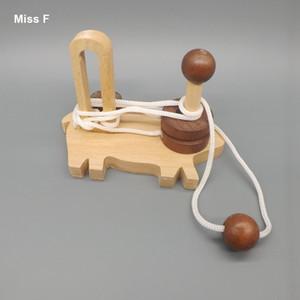 المخ دعابة لعبة قديم الصين الأجداد التقليدية خنزير صغير لغز خشبي حبل كونغ مينغ قفل