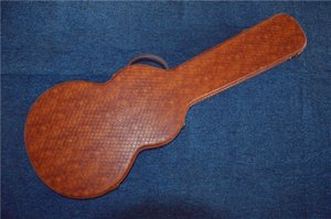 Direct from China's best-selling electric guitar HARDCASE guitar, brown leather large red lining