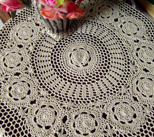 Wholesale-Elegant Flower Lace Crochet Blends Table Cover Handmade Home Dinner Round Tablecloth