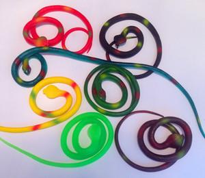 2018 제한된 새로운 3 년 된 여러 가지 빛깔의 고무 장난감 18 색 환경 78cm 전갈 거미 까다로운 뱀 도마뱀 악어 재미 있은 완구