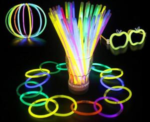 Chaud LED Glow Stick Bracelet Colliers Neon Party Clignotant Baguette Baguette Nouveauté Jouet LED Vocal Concert Sticks LED Bravo Props