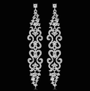 Orecchini pendenti floreali lunghi di lusso per le donne Orecchini di gioielli da sposa damigella d'onore da sposa in cristallo trasparente