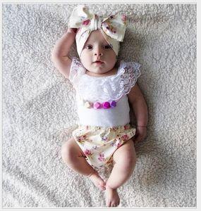 2016 Estate Toddler Baby Abbigliamento Gilet bianco senza maniche in pizzo + Pantaloncini stampati floreali + Fascia per capelli 3pcs Set Bambini Infants Outfits Tuta bambina