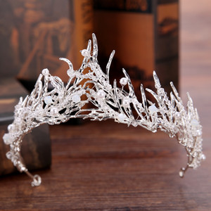 Vintage Altın Prenses Tiaras Taçlar Swarovski Inciler Kristal Quinceanera Tiaras Narin Beyaz Gelin Yaprak Taçlar Başlığı Saç Aksesuarları