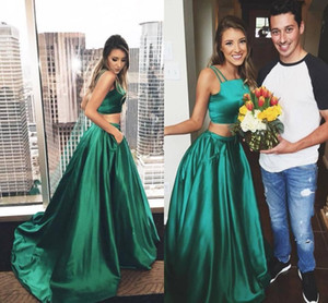 Hunter Green Two Pieces Prom Vestidos 2017 Spaghetti Strapless Una línea larga con bolsillos Vestidos de noche Sweep Train Vestidos para ocasiones especiales