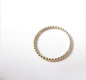 Bague superposée bague en or perlé, bague en or avec fine bague en or 18 carats, perles est le meilleur cadeau