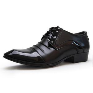Mens Derby Schuhe Lackleder Lace-Up Business Casual Schuhe Plissee Spitz Designer Marke Hochzeit Kleid Schuhe Schuhe