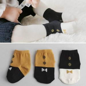 2 cores meias de bebê criança recém-chegados Cavalheiro MENINO 100% algodão pontos tie estilo meias meias confortáveis meias de boa qualidade tamanho 0-6T
