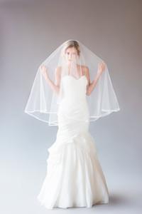 Nuevo Best Selling wedding velos dos capas de alta calidad blanco Ivory Line Edge Veil para boda Accesorios al por mayor