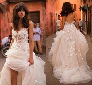 2018 Liz Martinez Beach Robes de mariée avec 3D Floral V-Neck Jupe à plusieurs niveaux Backless Plus Size Elegant Garden Country Robes de mariée pour tout-petits