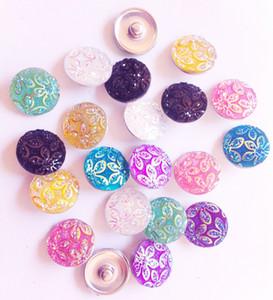 40 adet / grup Mix Renkler Moda Plastik Reçine Bauhinia Çiçek Noosa parçaları Metal Zencefil 18mm yapış düğmeler diy bilezik takı bulguları için