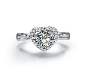 Forma de corazón Anillo de diamante sintético de alto carbono 1 Amantes de la boda de estilo quilates Estilo euroamericano de plata de ley