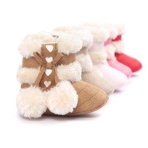 새로운 도착 겨울 아기 부츠 두껍게 양모 귀여운 모피 볼 Bowknot 유아 운동화 부드러운 단독 후크 루프 미끄럼 방지