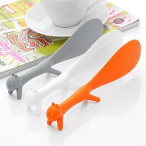 1 PCS Linda Cozinha Supplie Em Forma de Esquilo Concha Não Vara De Arroz Paddle alta qualidade colher de Refeição de plástico restaurante suprimentos