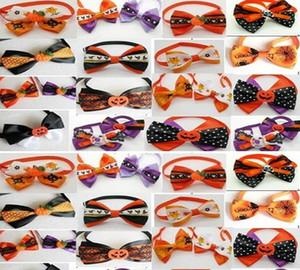 200 PC / Lot Grande vente Fait À La Main Hallowen Vacances Cravates Chien Cravates De Chien De Ruban De Chien De Ruban Cravates Noeud papillon Pet Toilettage Fournitures Mélanger Styles En Gros P015