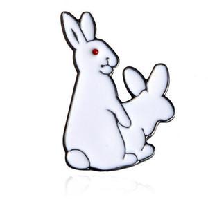 Lindo animal blanco conejos esmalte Broche Pins camisa del dril de algodón Denim Jacket Decor Party Prom mujeres hombres accesorios 5