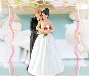 Cake Toppers 2016 пользовательских персонализированные Hug Невеста и жених силуэт Свадебный торт Топпер западный стиль Свадебные Церемонии торт Куклы Окрашенный