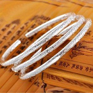 Femme bracelets en argent articles bracelets style bohème petits mariage bangle bracelet lumineux design ouvert nouvelle arrivée