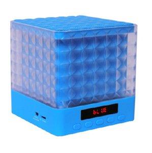 سماعات بلوتوث مضخم صوت MIC غير يدوي FM فتحة بطاقة TF مشغل موسيقى 15 وات سماعات بلوتوث ذكية للهواتف المحمولة / التابلت MP3