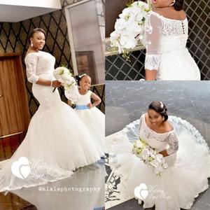 Abiti da sposa africani 2018 Plus Size Mezza manica Appliques di pizzo con spalle scoperte Sirena Abiti da sposa Bottone covato Realizzato su misura
