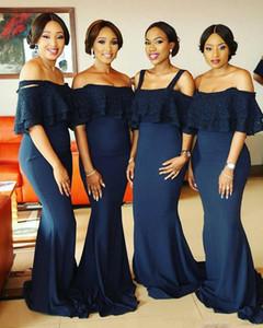 2017 vestidos de dama de honor de sirena sexy azul marino fuera del hombro apliques de encaje perlas correas más tamaño vestidos de invitados de la boda vestido de dama de honor