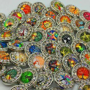 Moda 18 mm Snaps Chunk Charm Button para Noosa pulseras de cuero 50pcs Wholesalea Tree of Life Butterfly Mix Style