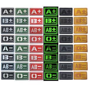 Outdoor-taktische Gummi-Patches Haken und Schleifenverschluss Gummi-Kunststoffabzeichen Armband-Aufkleber taktischer Bluttyp PVC-Patch