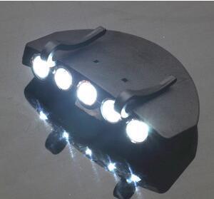 100 pcs 5 Leds Cap Hat Light Clip-On 5 LED Pesca Camping Head Light HeadLamp Cap com 2 * CR2032 baterias de celular