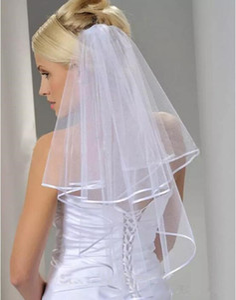 Бесплатная доставка белый слоновая кость 2 слоя короткие фата с гребнем свадебная фата свадебные аксессуары Лента края