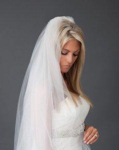 New Designer Stock Meilleures ventes de haute qualité Une couche Blanc Ivoire Rose mariage Veil Cut bord Hip Longueur Bridal Veils avec peigne Tulle