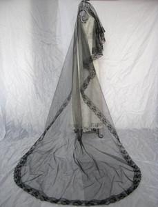 Новый в наличии простой элегантный один слой белая слоновая кость черная свадьба вуаль свадьба завесы трех метров длиной собор без расчески