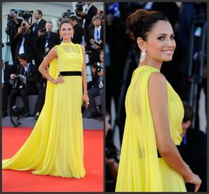 2019 Festival de cine de Venecia Fiesta de gasa amarilla larga Vestidos famosos de noche Una línea Vestidos de noche elegantes