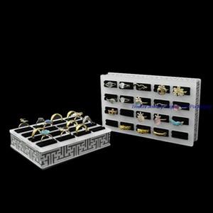 Mode-freies Verschiffen Einteiliges neues Acrylschmucksache-Schaukasten-Regal 16 Schlitze Ring-Speicher-Halter-Behälter 13 * 10 * 3CM