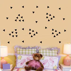 5 cm Triangles Stickers Muraux, 154 pc / Feuille Noir DIY Moderne Vinyle Mur Art Décor À La Maison, Bébé Pépinière Enfants Chambre Stickers Muraux