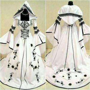2019 Abiti da sposa in bianco e nero celtici vintage con cappello Una linea Abiti da sposa unici con corsetto squisito ricamo Top Custom Made