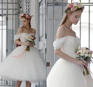 Venta caliente una línea de vestidos de novia de tul 2017 barato fuera del hombro té de longitud vestidos de novia vestidos de novia